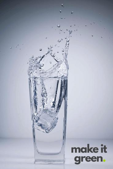 Dieta dr dąbrowskiej wymaga odpowiedniego nawodnienia. Przydatna jest tutaj woda